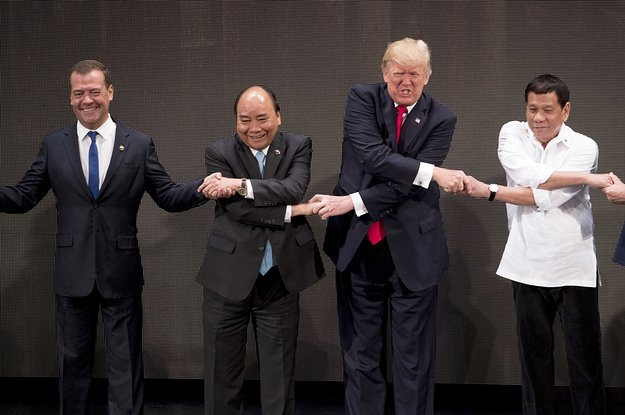Awkward Trump handshake at a summit